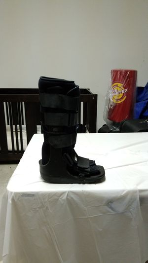 Formfit boot for leg injury for Sale in LXHTCHEE GRVS, FL