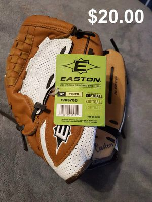 """New 12"""" Youth Fast Pitch Softball Glove for Sale in Walkerton, IN"""