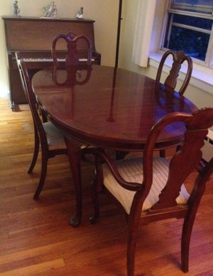 Mahogany dining room table for Sale, used for sale  Edgewater, NJ