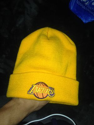 lakers beanie (gold) for Sale in San Bernardino, CA