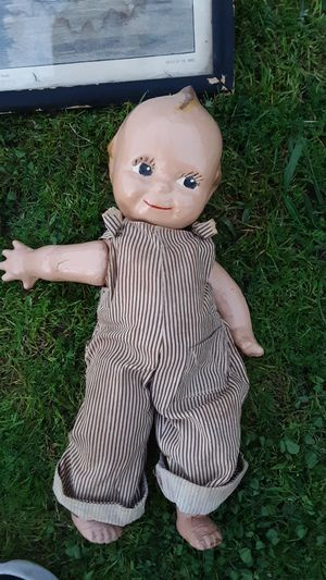 Antique Q-pee doll for Sale in Fresno, CA
