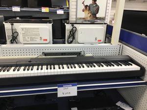 Casio piano for Sale in Chicago, IL