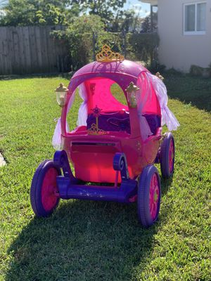 24 Volt Disney Princess Carriage Ride-On for Sale in Pompano Beach, FL