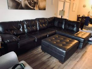 Brown Leather Sectional w/ Matching Ottoman for Sale in Prattville, AL