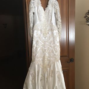Wedding Dress for Sale in St. Charles, IL