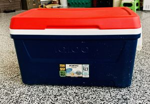 Igloo 48 quart cooler = 76 12oz cans (red white and blue) for Sale in Richmond, VA