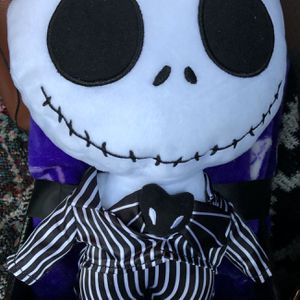 Disney nightmare Before Christmas Pillow and blanket Set for Sale in Rancho Cucamonga, CA