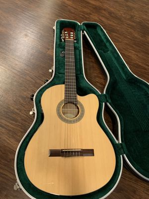 lucero lc200ce Acoustic great condition selling with case !!! for Sale in Baldwin Park, CA
