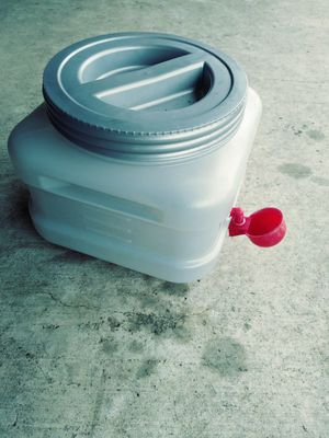 Water jug for chickens or quail *Auto refill* for Sale in McKinney, TX