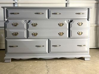 Grey Dresser for Sale in Fresno,  CA