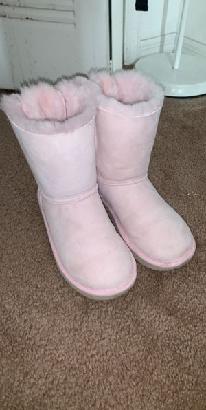 Light pink uggs for Sale in Orlando, FL