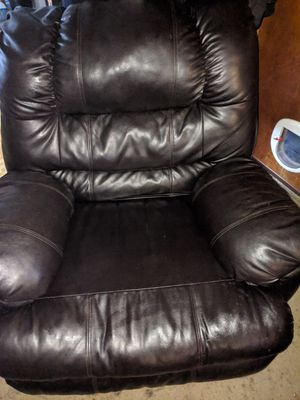 Brown recliner for Sale in Erie, PA