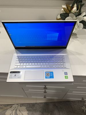 Hp envy 17.3 touch screen laptop for Sale in Alameda, CA