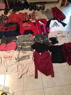 LargeLot of juniors clothes excellent for Sale in Plant City, FL