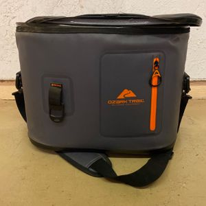Ozark trail Cooler for Sale in Tempe, AZ