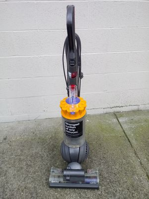 Dyson ball multifloor vacuum cleaner for Sale in Columbus, OH