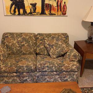 Ethan Allen leaf print fabric Loveseat for Sale in Mountlake Terrace, WA