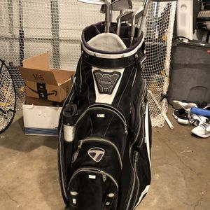 Taylormade Golf Bag (with Clubs) for Sale in Richmond, CA