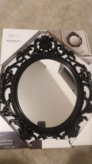 Wall mirror color black for Sale in Fuquay Varina, NC
