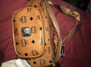 MCM FANNY PACK for Sale in Forest Heights, MD