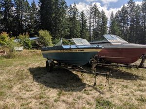 2 free boats. 18ft Apollo and 20ft bayliner for Sale in Bonney Lake, WA