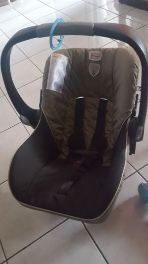 Car seat britax for Sale in Miami, FL