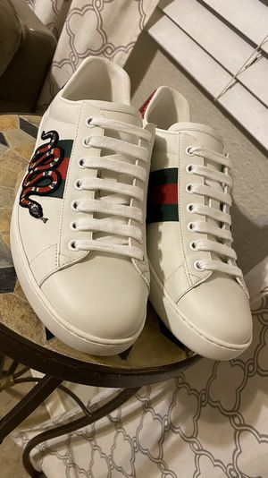 Gucci size 9 for Sale in Mesa, AZ