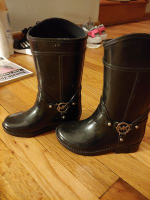 Boots girls sz 10 for Sale in Sheffield Lake, OH