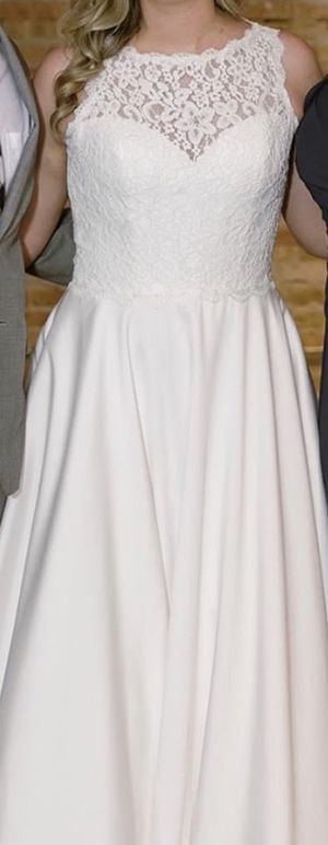 Wedding dress for Sale in Palatine, IL