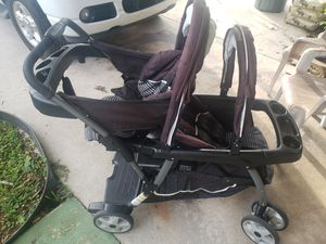 Double stroller Graco 4 in 1 sit to stand click connect with infant car seat and 1 base for Sale in Rockledge, FL