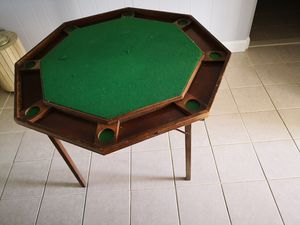 Free just come pick it up Foldable Poker table for Sale in Willingboro, NJ