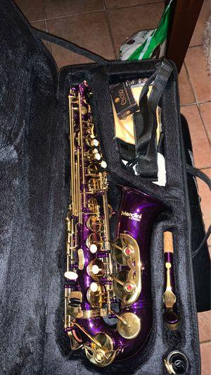 Mendini Saxophone for Sale in Stafford, TX
