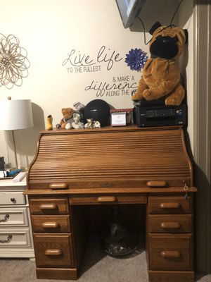 Solid Oak roll top desk and chair for Sale in San Antonio, TX