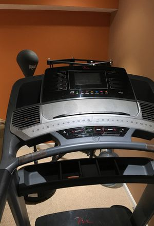Free Motion Treadmill iFIT 860 Interactive for Sale in Frederick, MD