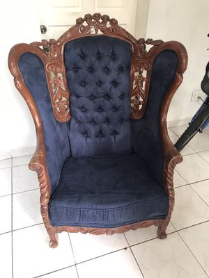 Antique furniture / muebre antiquo / antique chair for Sale in Miami, FL