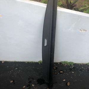 Mercedes GLS 450 Trunk Cover for Sale in Miami, FL