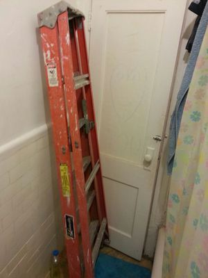 6ft tall ladder .. works great .. pick up location Ridgewood queens .. taking offers for Sale in New York, NY