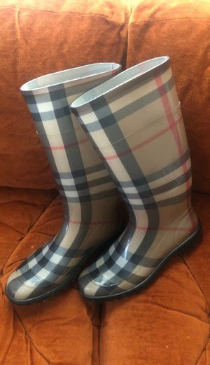 "BURBERRY AUTHENTIC "" HOUSE CHECK"" rain boots size 41/10 women's for Sale in Pittsburgh, PA"