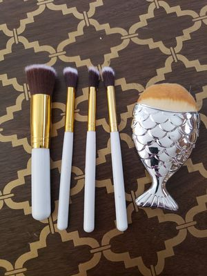 Makeup Brushes for Sale in Bel Aire, KS