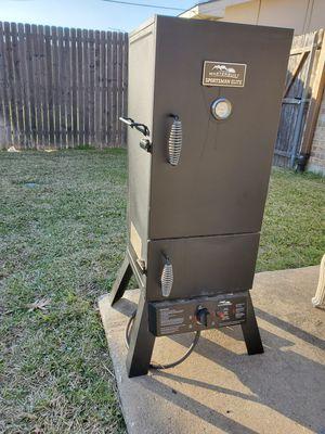 Masterbuilt Sportsman Elite Upright Propane Smoker for Sale in Lewisville, TX