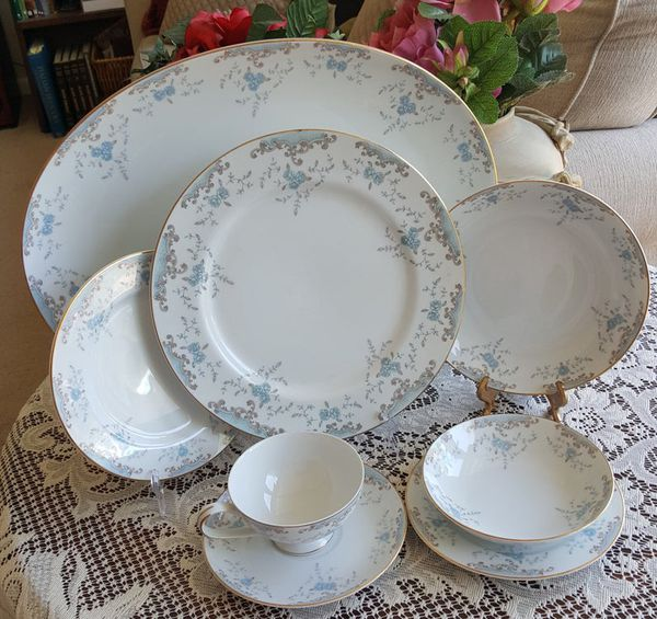 Service for 8 Imperial China Seville