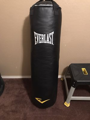 Punching bag 100lbs. for Sale in Goodyear, AZ