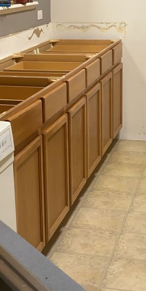 Kitchen cabinets for Sale in Hickory Hills, IL