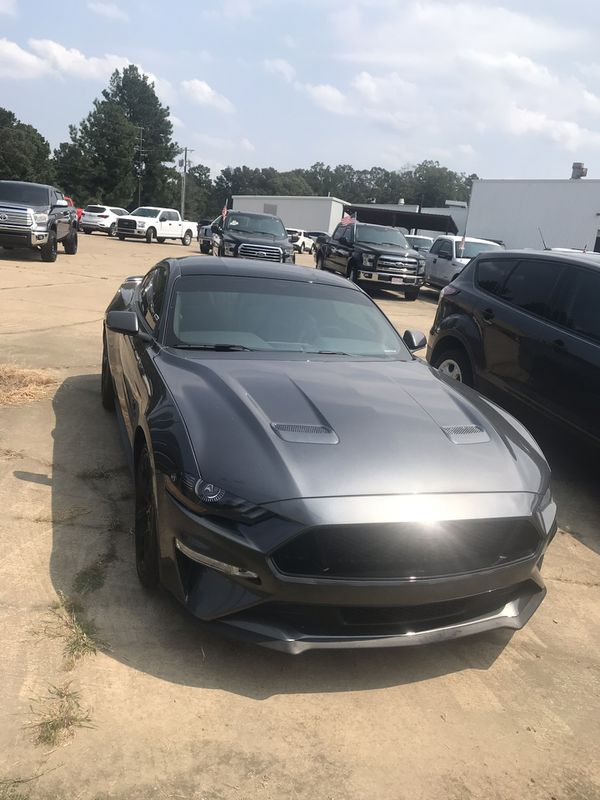 Pre owned mustang