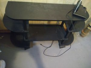 Tv.stand litle crack in one coner for Sale in Cleveland, OH