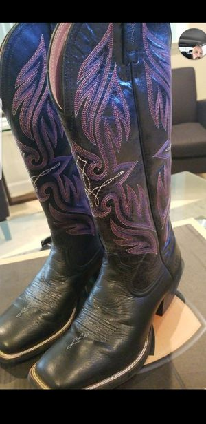 ARIAT LEATHER COWGIRL BOOTS SIZE 7.5 for Sale in Tracy, CA