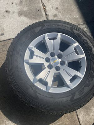 Chevy Colorado rims and tire for Sale in Los Angeles, CA