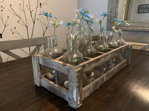 Wooden Crate Caddy Vase Runner Set (Table center piece) for Sale in Orlando, FL