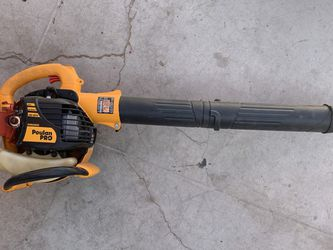 Poulan pro gas leaf blower. 25cc / 200mph Bvm200vs for Sale in Las Vegas,  NV