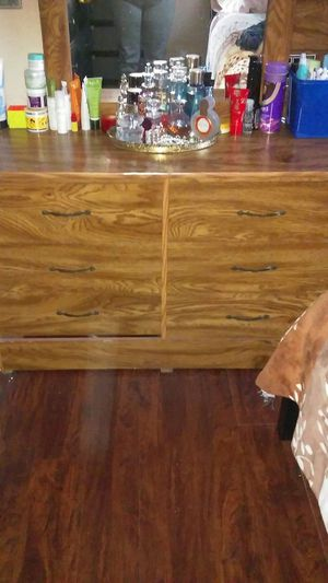 Dresser with mirror and dresser too in good condition a for Sale in San Diego, CA